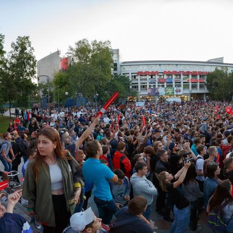 Встреча с Алексеем Навальным - самое массовое политическое мероприятие за многие годы