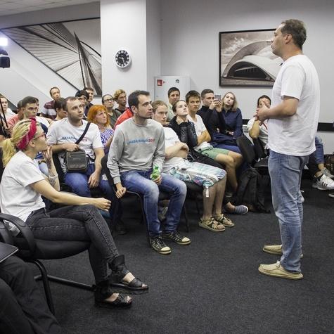 Задать вопросы автору программы «Где деньги?» пришли почти 200 человек
