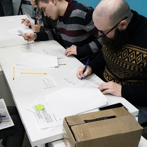 Наблюдатели учатся проверять списки избирателей