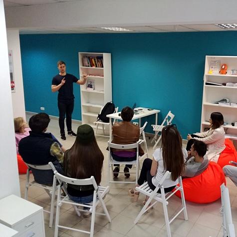 Тренинг по агитации для волонтеров