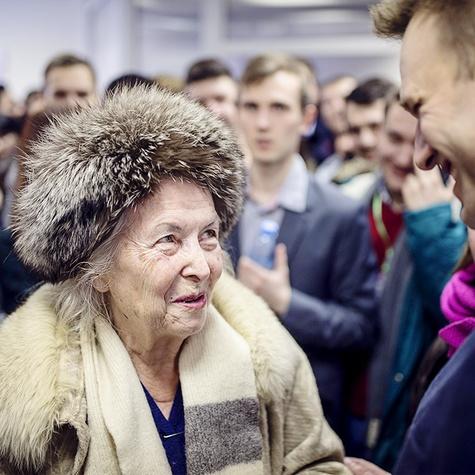 Алексей отвечает навопросы сторонников вУфе